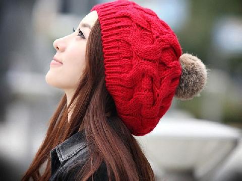 4 cách tạo kiểu tóc đẹp khi diện mũ len