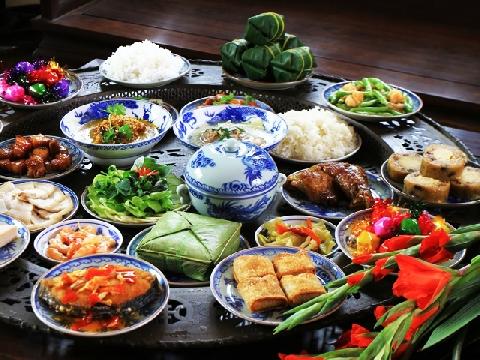 Món ăn truyền thống trong ngày Tết ở Trung Quốc khác gì Việt Nam