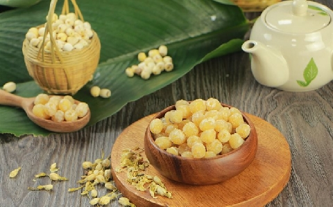 Cách làm mứt hạt sen hương nhài