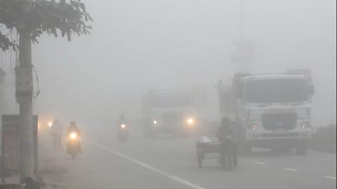 Trung Quốc: Hơn 10.000 xe mắc kẹt vì sương mù