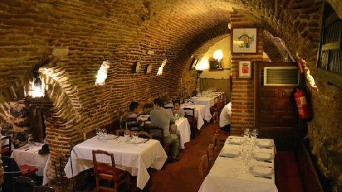 Bên trong nhà hàng cổ nhất thế giới