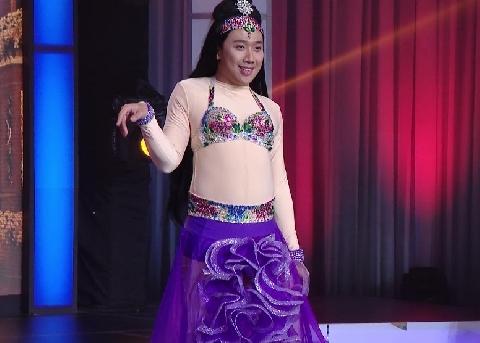 Trấn Thành hóa ''vũ nữ'' múa bụng sexy hài khó đỡ
