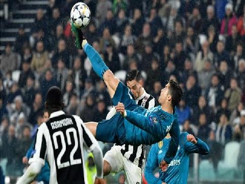 """Siêu phẩm """"ngả bàn đèn"""" của CR7 (Real Madrid) v Juventus"""