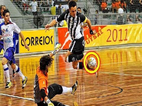 15 bàn thắng ảo diệu của huyền thoại futsal Falcao
