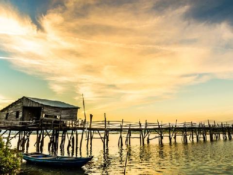 Đi Phú Yên đừng quên cây cầu gỗ dài nhất Việt Nam