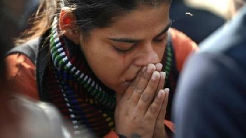 Bé gái 8 tuổi bị 8 người đàn ông cưỡng bức, giết hại ở Ấn Độ!