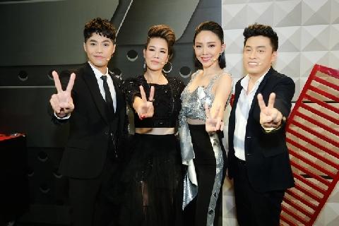 Lộ clip hậu trường cực lầy của bộ tứ quyền lực Giọng hát Việt 2018