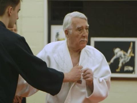 Võ sư 94 tuổi vẫn thực hiện được những đòn vật judo kinh điển