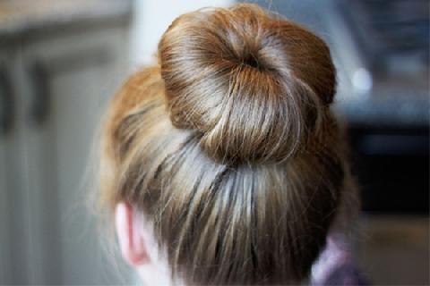 3 cách tạo kiểu búi tóc đơn giản cho nàng tóc ngắn