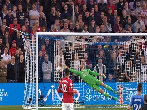 'Găng vàng' De Gea lọt top cứu thua ấn tượng nhất tuần qua