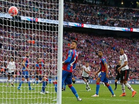 10 bàn đẹp nhất của Man United ở chung kết FA Cup