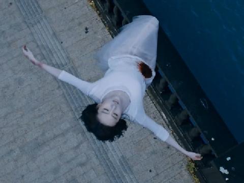 Cười sặc với 'kỹ xảo 3 xu' trong phim của Lưu Diệc Phi