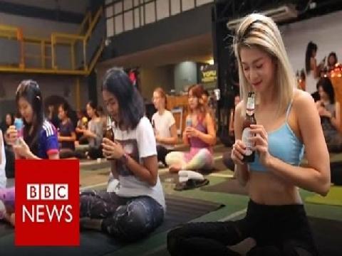 """Yoga bia tạo """"cơn say"""" trên toàn thế giới!"""