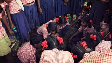 Ấn Độ: 5 nhân viên xã hội bị cưỡng bức tập thể!