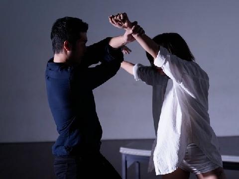 Phạm Lịch tung MV về nạn quấy rối tình dục