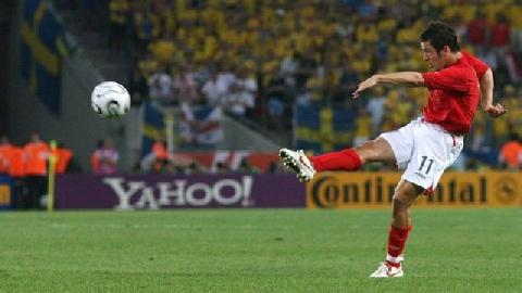 Joe Cole volley siêu đỉnh vào lưới Thụy Điển ở World Cup 2006