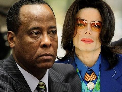 Tiết lộ sốc từ bác sĩ Murray: Michael Jackson bị cha thiến từ nhỏ