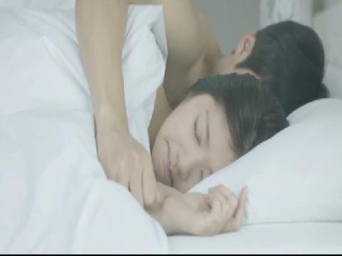 Cảnh nóng chớp nhoáng chưa từng được công chiếu của Kang Ha Neul trong 'Twenty'