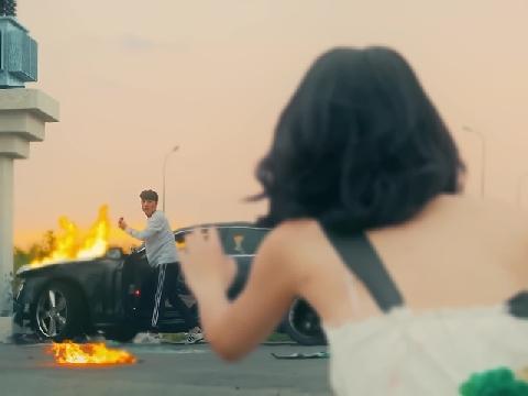 Cười bò trước series chết lãng xẹt trong các MV của ca sĩ Việt