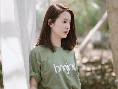 Hot girl nổi tiếng nhất Thái Lan khoe vẻ đẹp băng thanh ngọc khiết