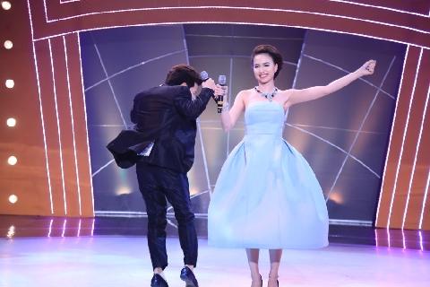 Trường Giang và những lần nhảy ''khoe vòng 3'' siêu hài