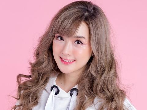 Hot girl xinh đẹp Thái Lan ''gây mê'' khi cover ''Girls Like You''