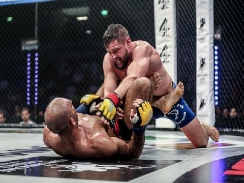 Cựu võ sĩ UFC tung đòn hiểm khiến đối thủ bất tĩnh