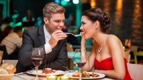 Lừa bạn gái đi ăn nhà hàng rồi bỏ trốn lúc tính tiền