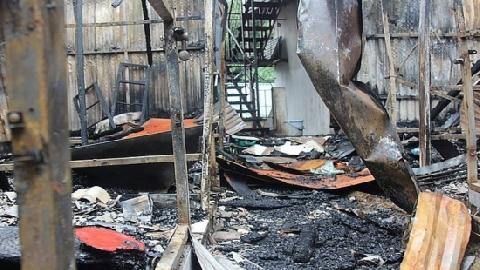 Phát hiện 2 thi thể trong dãy nhà trọ vụ cháy cổng Bệnh viện Nhi Trung ương