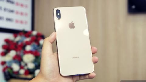 iPhone XS Max đầu tiên về Việt Nam được bán giá 79 triệu đồng