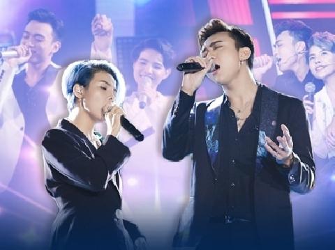 Vũ Cát Tường nắm chặt tay Soobin Hoàng Sơn, lãng mạn hát ''Yêu xa''