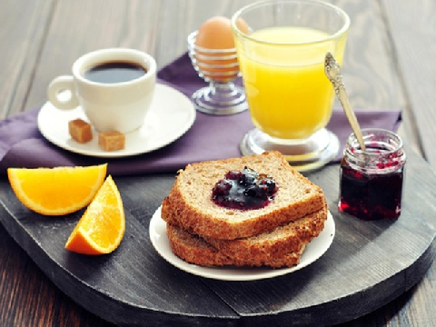 Bạn nên ăn sáng, trưa, tối vào lúc nào?