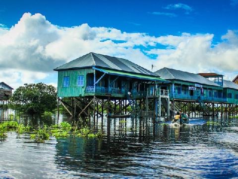 Trải nghiệm cuộc sống trên ngôi làng nổi ở Campuchia
