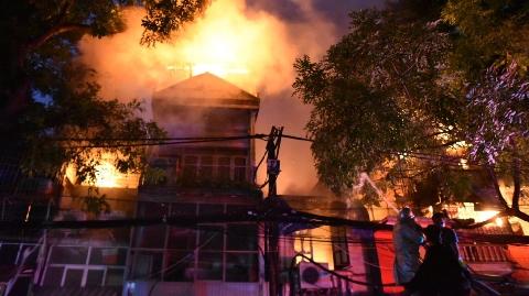 Tìm ra nguyên nhân cháy lớn gần Bệnh viện Nhi Trung ương