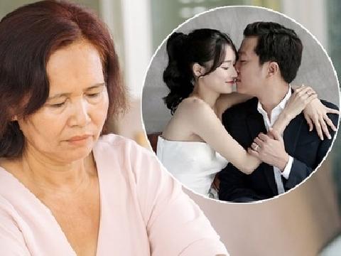 Mẹ Nhã Phương khóc khi Trường Giang nói: ''Phương giờ là vợ con rồi''