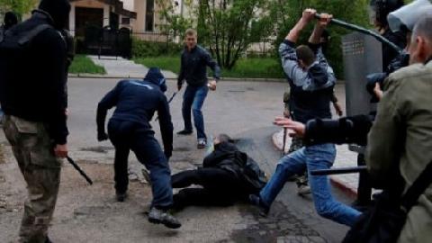 TP HCM: dân hoảng sợ vì hàng chục thanh niên chém nhau loạn xạ