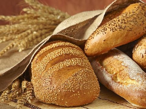 Bánh mì mốc độc đến mức nào?