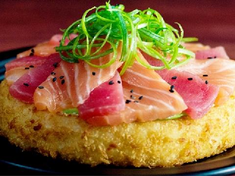 Hãy nếm thử món sushi pizza