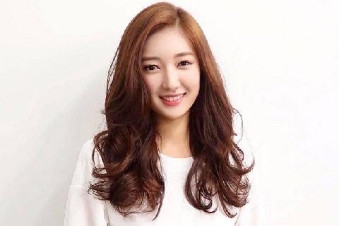 7 bí quyết giúp mái tóc luôn bóng khỏe tự nhiên