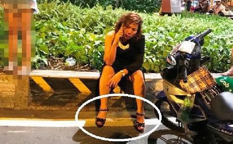 Giầy cao gót là nguyên nhân khiến nữ tài xế BMW gây tai nạn liên hoàn?
