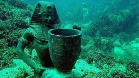 Mê mẩn với thành phố Ai Cập huyền thoại dưới đáy biển