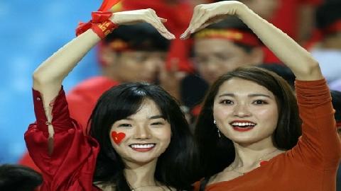 Ngọc Nữ và dàn hot girl tiếp sức ĐT Việt Nam đại thắng Malaysia