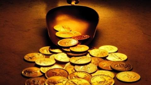 Lóa mắt với cây Giáng sinh làm từ 2.018 đồng xu vàng nguyên chất