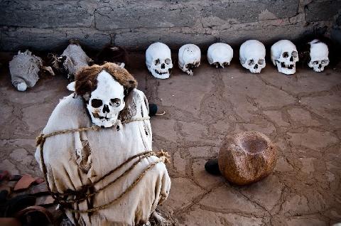Sởn da gà khi đến nghĩa trang của những bộ hài cốt ngồi xổm