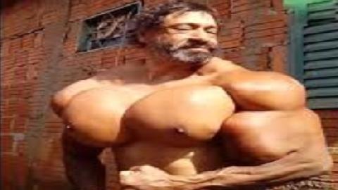 Nghẹt thở với bộ ngực khủng của dân tập gym