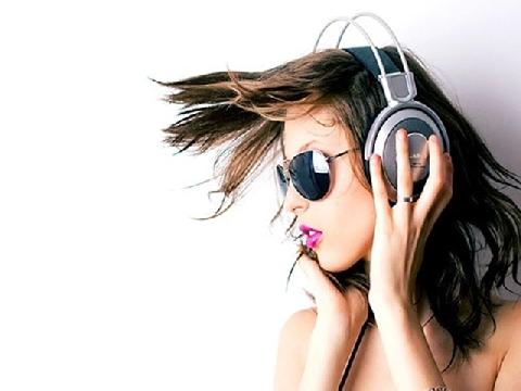 Đừng đeo tai nghe quá nhiều!