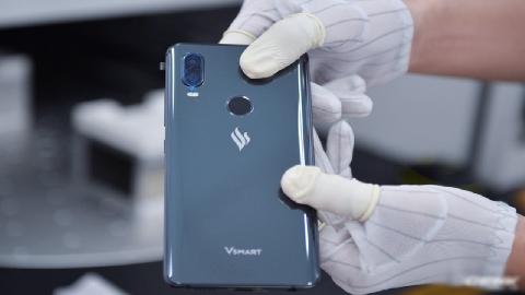 Cận cảnh điện thoại Vsmart - smartphone của Vingroup sẽ lên kệ ngày 14/12
