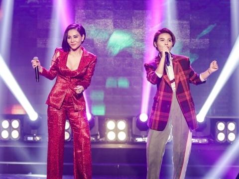 Thu Minh cùng Vũ Cát Tường làm bùng nổ sân khấu với mash up ''Vết mưa''