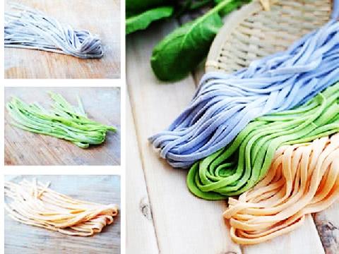 Cách làm mì sợi 3 màu tại nhà cực dễ