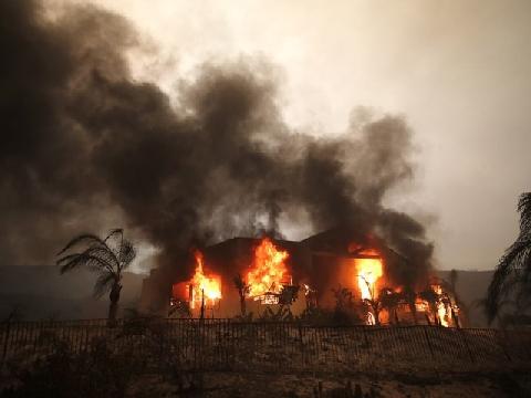 Cận cảnh cảnh tượng một ngôi nhà khi bị phát nổ